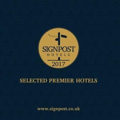 Signpost: Selected Premier Hotels - pr_94780