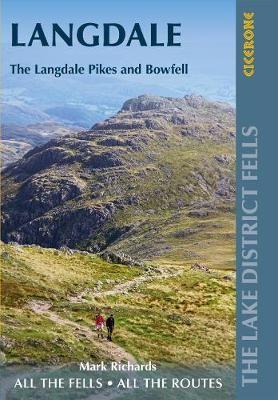 Walking the Lake District Fells - Langdale - pr_257